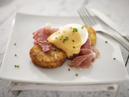 Eggs Benedict with Röstiko Rounds